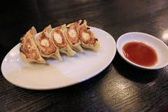 appel Gyoza, nourriture asiatique d'Obscur-somme de tradition photos stock