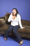 Appel téléphonique passionnant photo libre de droits