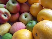 Appelen en Sinaasappelen Stock Foto's