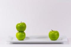 2 appelen van v 1 Stock Fotografie