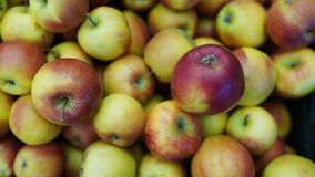 Appelen volledig kader Verse appeltextuur in markt Opslagachtergrond royalty-vrije stock foto's