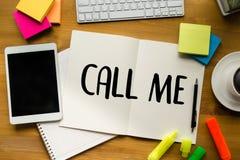 APPELEZ MAINTENANT la question svp calorie de soutien de service client de contactez-nous Images libres de droits