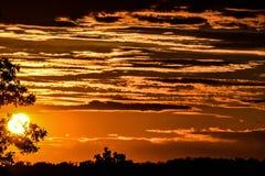 Appena alcune nuvole ed il sole Immagini Stock Libere da Diritti