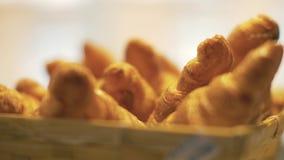 Appetitanregendes Gebäck im Bäckereishopabschluß oben Köstliches selbst gemachtes Gebäck lizenzfreie stockfotos