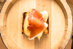 Appetizer with jamon and cheese Royalty Free Stock Photos