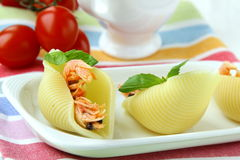 Appetizer pasta shells with shrimp Royalty Free Stock Photos