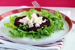 Appetizer salad of beets and goat cheese Stock Photography