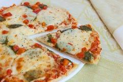 Appetizing pizza with mozzarella Royalty Free Stock Photos