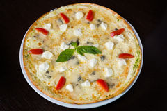 Free Appetizing Pizza With Seafood Royalty Free Stock Images - 41353969