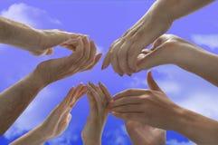 applådclippingen hands banan Fotografering för Bildbyråer