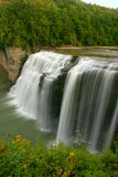 applådera vattenfall royaltyfria bilder
