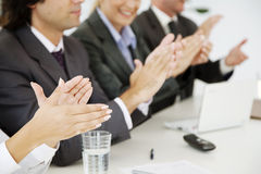 Applaudierende Geschäftsleute Stockbilder