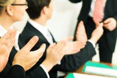 Applauso di presentazione di affari Immagine Stock