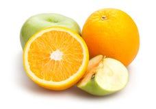 Apple和桔子 免版税库存图片