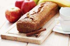 Apple和香蕉蛋糕 免版税库存照片