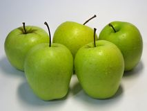 Apple är frukten för nummer ett i den grundläggande människan bantar Smaken och fördelarna av denna som man har råd med frukt har arkivbilder