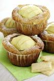 Apple και άσπρα Muffins σοκολάτας Στοκ Εικόνες