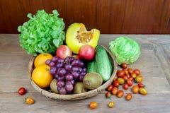 Apple και λαχανικά και φρούτα Στοκ φωτογραφίες με δικαίωμα ελεύθερης χρήσης