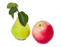 Apple και αχλάδι που απομονώνονται Στοκ Εικόνα