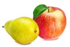 Apple και αχλάδια που απομονώνονται στο λευκό Στοκ εικόνα με δικαίωμα ελεύθερης χρήσης