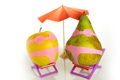 Apple και αχλάδι σε ένα κοστούμι λουσίματος Στοκ εικόνες με δικαίωμα ελεύθερης χρήσης