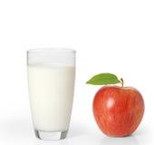 Apple και γάλα σε ένα άσπρο υπόβαθρο Στοκ Εικόνες