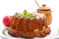 Apple και κέικ μελιού Στοκ Φωτογραφία