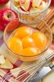 Apple και λέκιθος αυγών Στοκ φωτογραφία με δικαίωμα ελεύθερης χρήσης