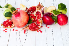 Apple και μέλι, παραδοσιακά τρόφιμα του εβραϊκού νέου έτους - Rosh Hashana Διαστημικό υπόβαθρο αντιγράφων Στοκ εικόνες με δικαίωμα ελεύθερης χρήσης