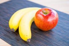 Apple και μπανάνες Στοκ Φωτογραφία