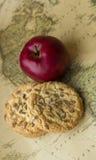 Apple και μπισκότα Στοκ Εικόνες