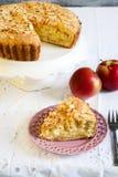 Apple και πίτα αμυγδάλων Στοκ φωτογραφία με δικαίωμα ελεύθερης χρήσης