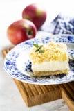 Apple και πίτα τυριών εξοχικών σπιτιών Στοκ Φωτογραφία