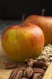 Apple και πεκάν Στοκ Εικόνες