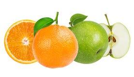 Apple και πορτοκάλι που απομονώνονται στο λευκό Στοκ φωτογραφίες με δικαίωμα ελεύθερης χρήσης