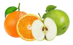 Apple και πορτοκάλι που απομονώνονται στο λευκό Στοκ Εικόνες