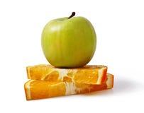 Apple και πορτοκάλια Στοκ εικόνα με δικαίωμα ελεύθερης χρήσης