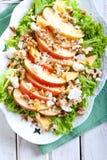 Apple και σαλάτα καρυδιών Στοκ Εικόνες