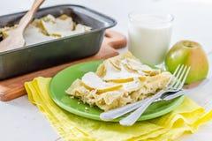 Apple και τυρί εξοχικών σπιτιών lasagne Στοκ φωτογραφίες με δικαίωμα ελεύθερης χρήσης