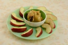 Apple και φέτες φυστικοβουτύρου Στοκ Φωτογραφία