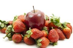 Apple και φράουλες Στοκ εικόνες με δικαίωμα ελεύθερης χρήσης