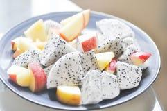 Apple και φρούτα δράκων Στοκ εικόνα με δικαίωμα ελεύθερης χρήσης