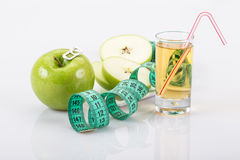 Apple και χυμός για τη διατροφή Στοκ φωτογραφίες με δικαίωμα ελεύθερης χρήσης