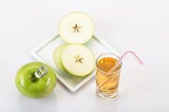Apple και χυμός μήλων Στοκ Εικόνες
