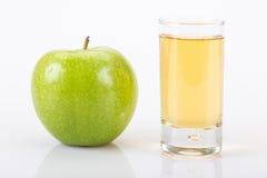 Apple και χυμός μήλων Στοκ εικόνες με δικαίωμα ελεύθερης χρήσης
