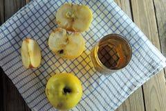 Apple και χυμός Στοκ φωτογραφία με δικαίωμα ελεύθερης χρήσης