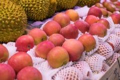 Apple και durian Στοκ εικόνα με δικαίωμα ελεύθερης χρήσης