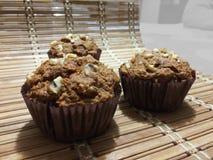 Apple και Muffins καρυδιών Στοκ Εικόνες