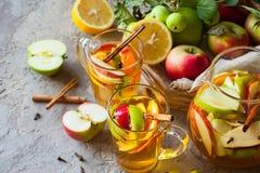 Apple και sangria εσπεριδοειδών Στοκ Φωτογραφία