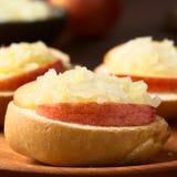 Apple και Sauerkraut σάντουιτς Στοκ φωτογραφίες με δικαίωμα ελεύθερης χρήσης